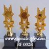 Siap Melayani  Trophy  Berasesoris  Elegan