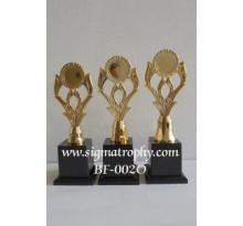 Grosir Trophy Termodern di Semarang
