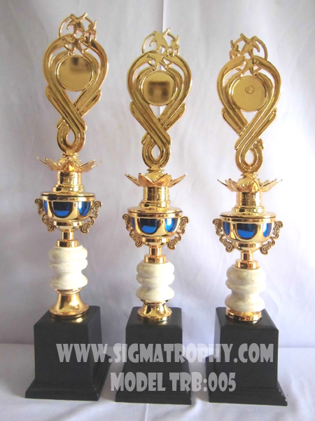 Pabrik piala plastik,trophy plastik murah dan Piala Award Olahraga