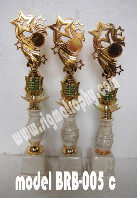 Piala Trophy ,piala trophy terupdate dan terbaru,Model Piala trophy,Model piala marmer Piala Lomba Menyanyi