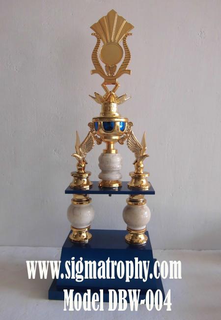 Harga Piala Bergilir,Model Piala kaki empat