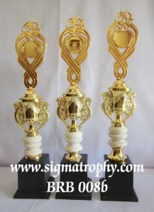 Agen Trophy Berkualitas, Simpel, Menarik tgl 14b