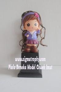 Piala Boneka Model Cewek Imut