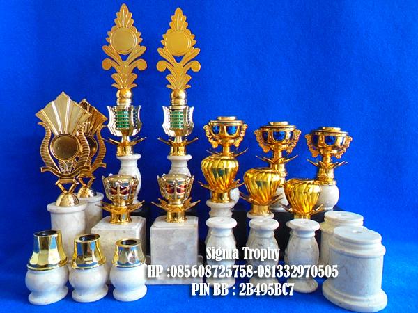 jual trophy unik