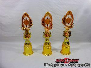 Piala Plastik Murah