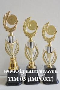 Jual Piala Import Murah, Melayani Piala Import, Sedia Piala Import BR 4