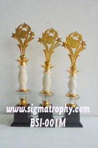 Menjual dan Memproduksi Aneka Piala, Piala Golf, Piala Wisuda, Piala Juara DSC00601 M
