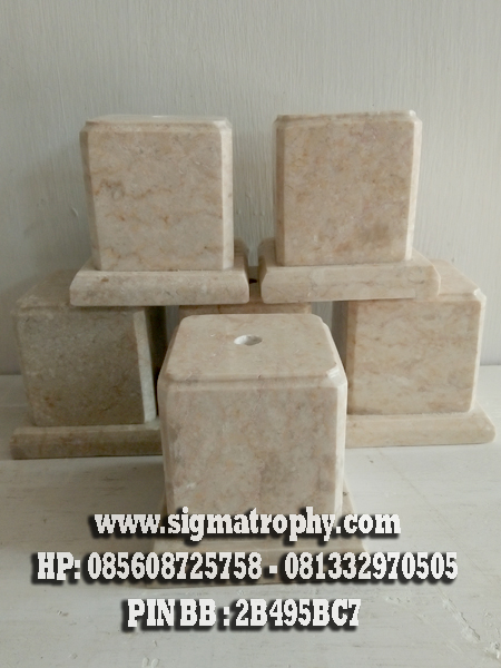 Base Marmer Tatakan Kotak